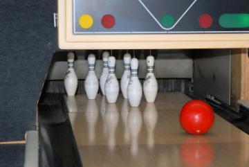 Deutsche Meisterschaft der Schwerhörigen im Bowling - Foto: (c) Karl-Heinz Laube  / pixelio.de