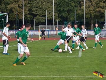 Gehörlosen-Fußball: Deutschland trotz Niederlage gegen Irland für die Deaflympics 2013 qualifiziert - Foto: (c) Peter Schöler / DGS